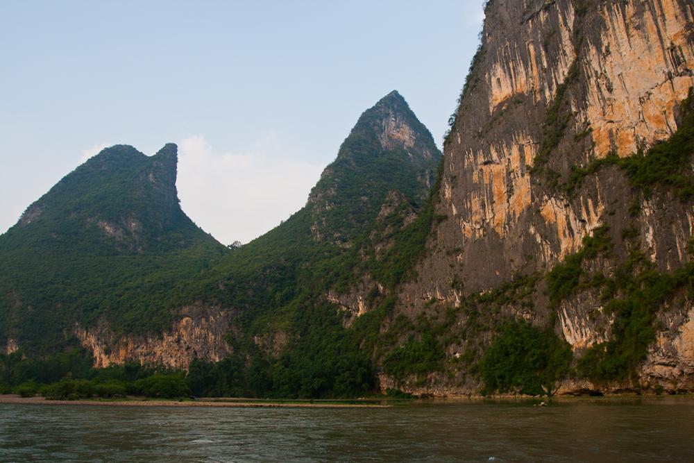 Acantilados-en-río-Li