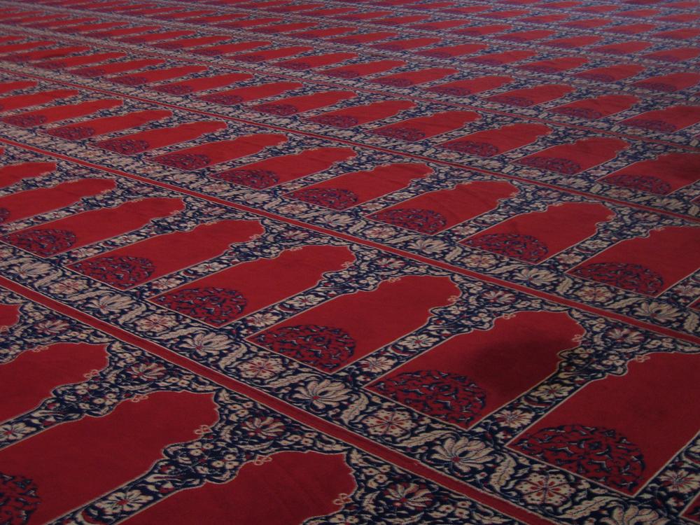 Alfombras-en-la-mezquita