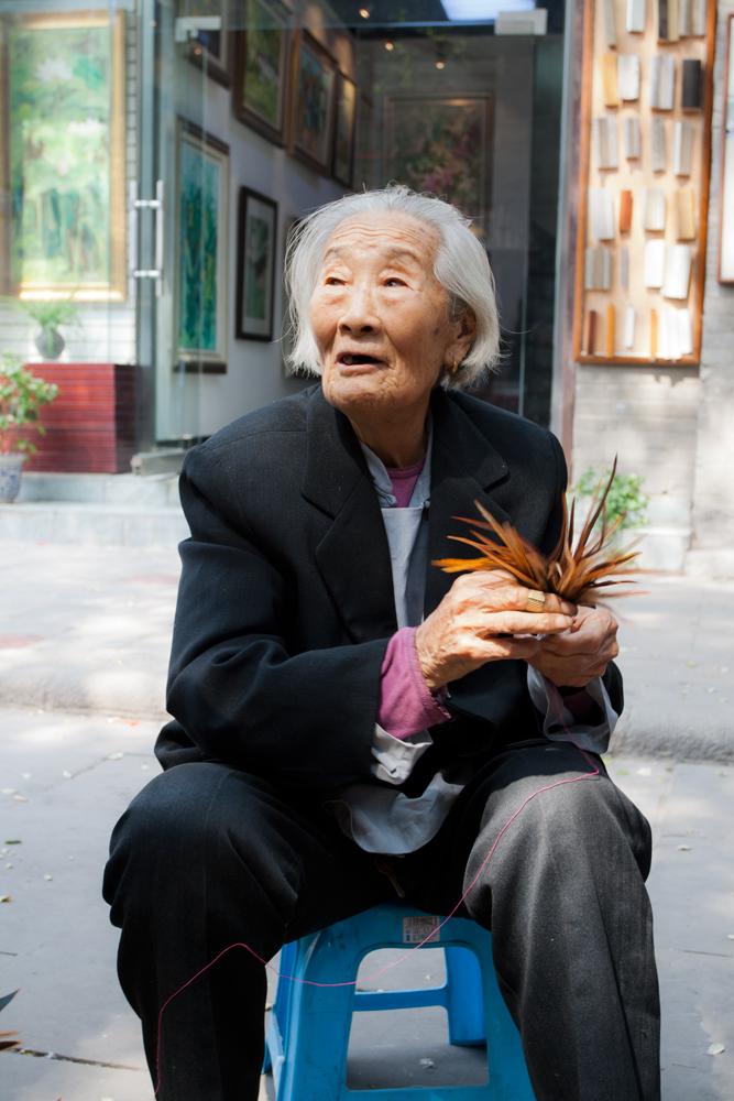 Anciana-en-el-barrio-musulmán