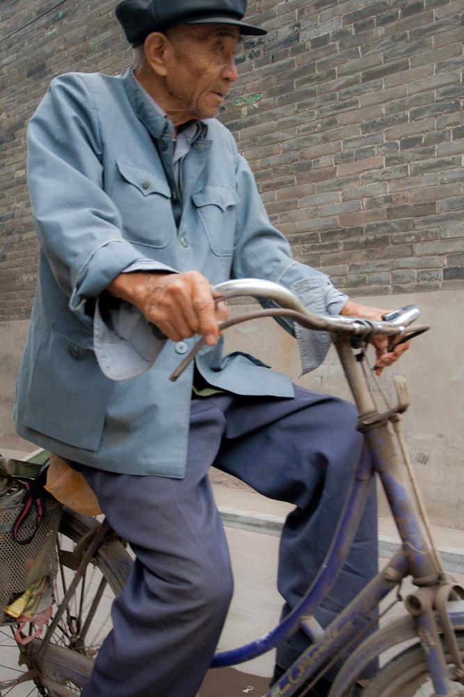 Anciano-en-bicicleta