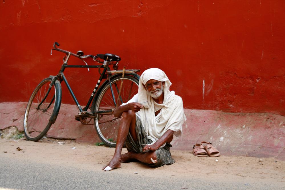Anciano-y-bicicleta