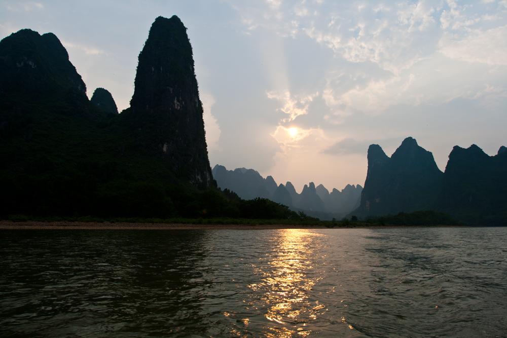 Atardece-en-el-río-Li-Xingping