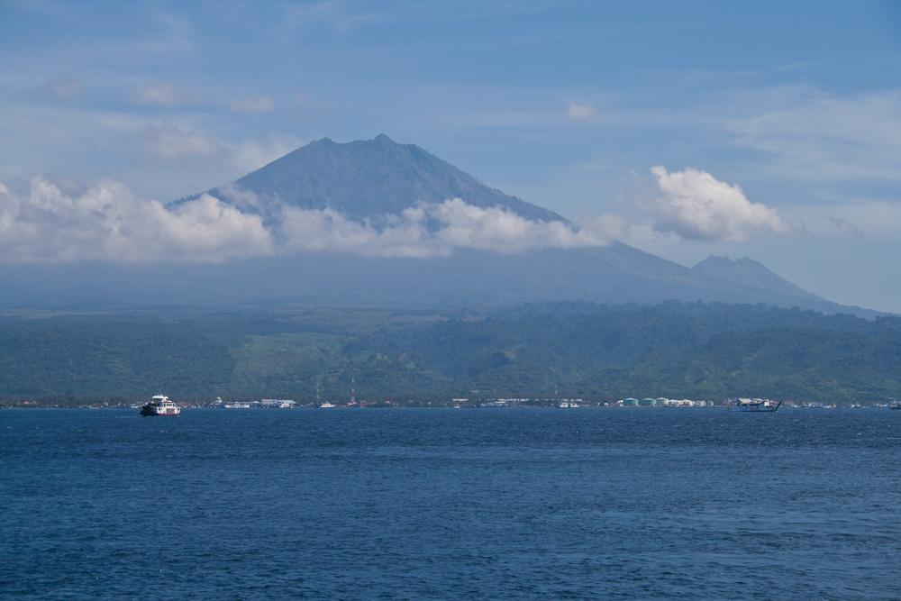Bali-cruzando-a-Java