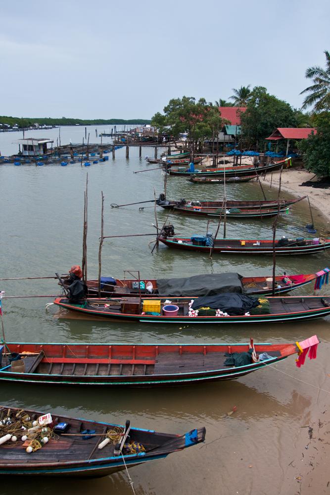 Barcas-en-la-costa-de-Chaiya