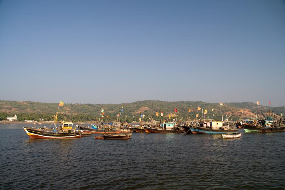 Barcos-llegando-a-la-playa-II