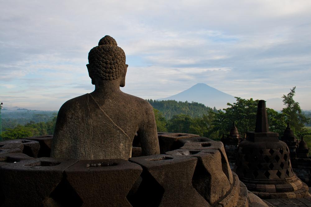 Buda-y-volcan