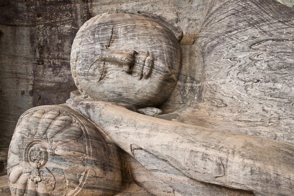 Buda-yaciente-III