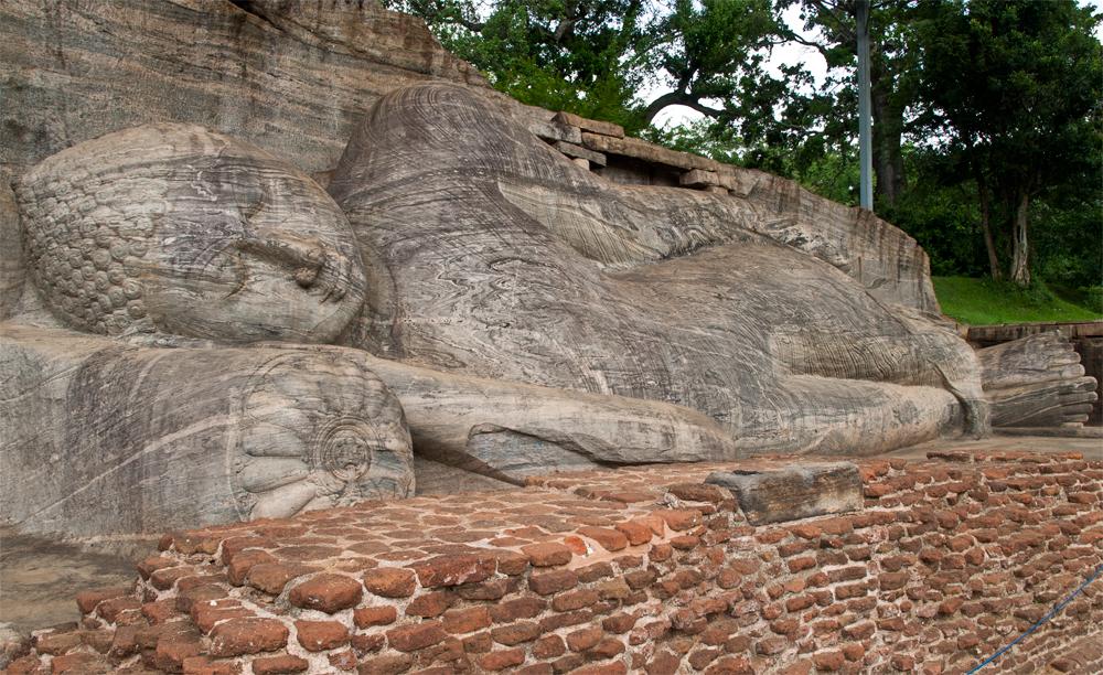 Buda-yaciente