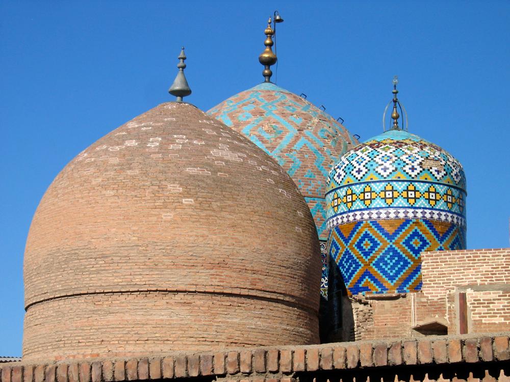 Cúpulas-Mausoleo-Sheikh-Safi-od-Din-de-Ardabi-l
