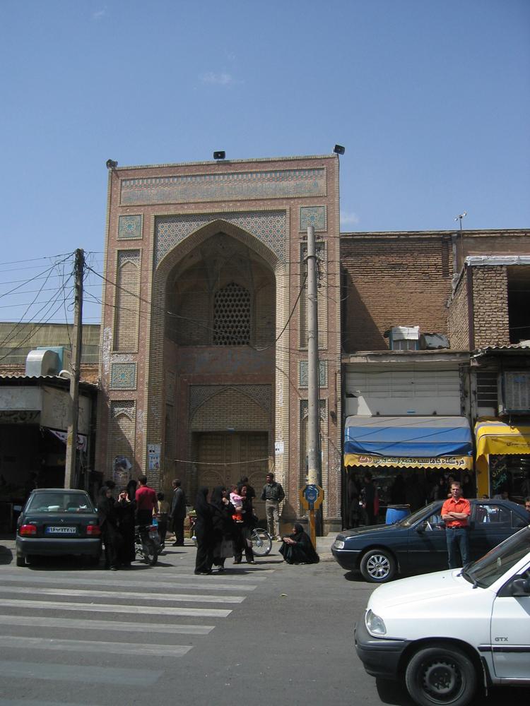 Calle-de-Shiraz