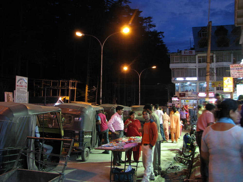 Calle-principal-de-Manali