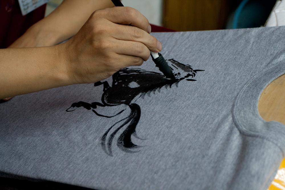 Camiseta-a-mano