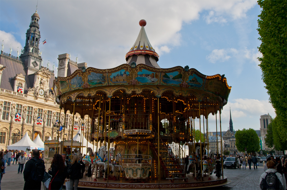 Carrusel-del-Hotel-de-Ville