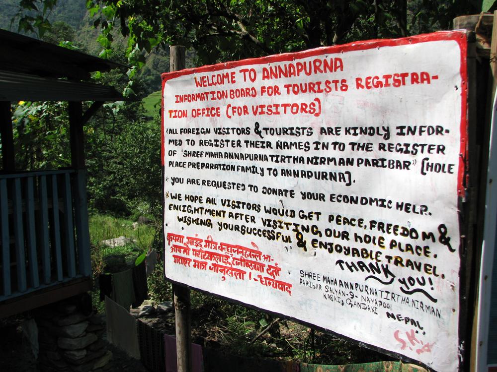 Cartel-de-bienvenida-al-parque-nacional-de-los-Annapurnas
