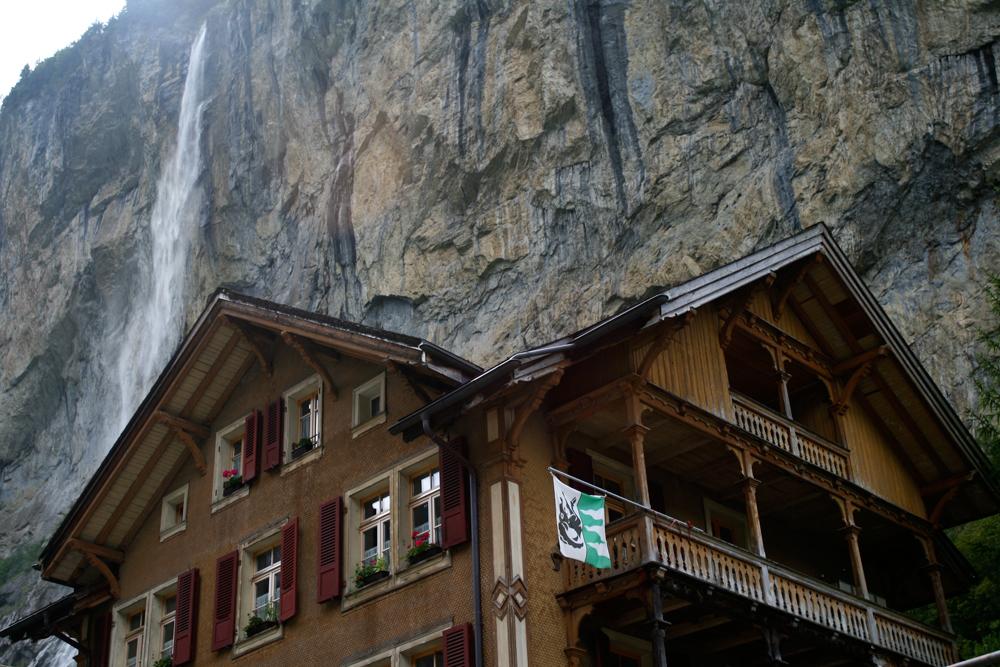 Cascadas-en-Lauterbrunnen
