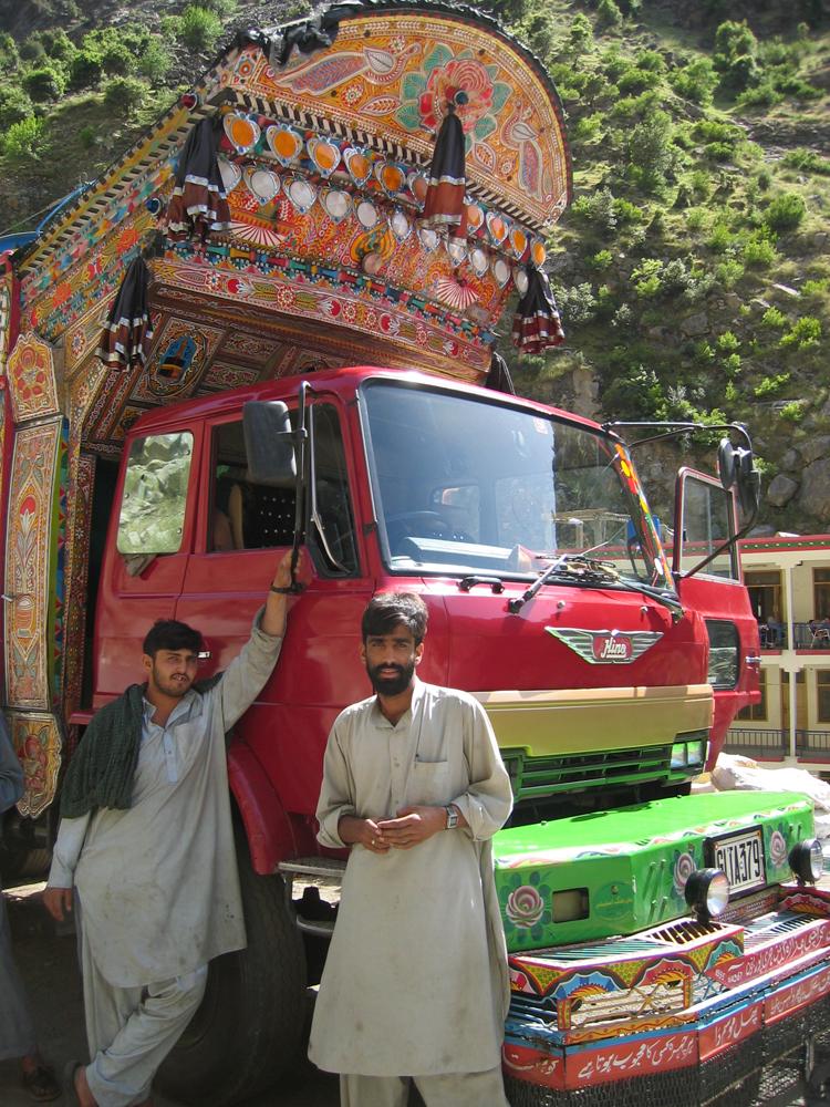 Colorido-camión-en-Summur