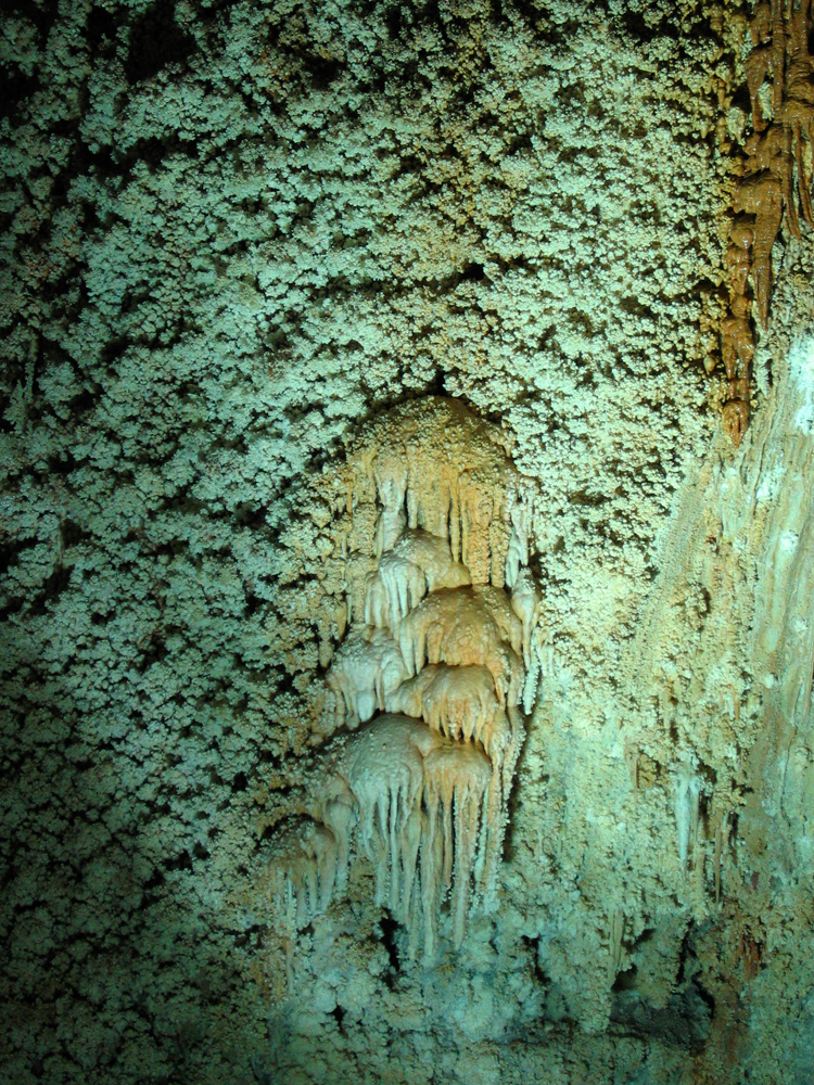 Cuevas-de-Ali-Sadr