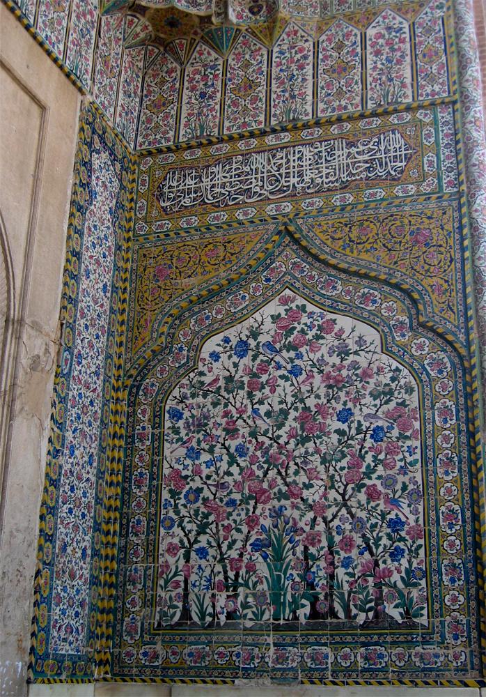 Decoración-en-Boghe-ye-Shah-e-Cheragh