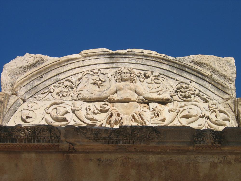 Detalle-del-Templo-de-Adriano