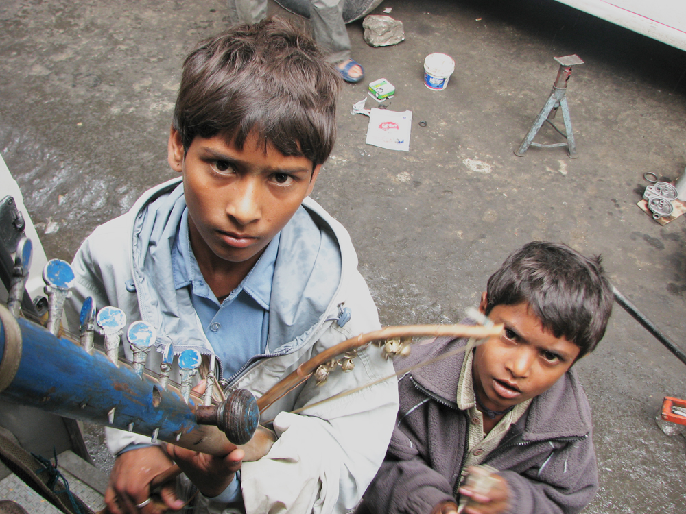 Dos-jovenes-músicos