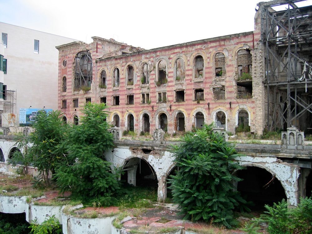 Edificio-destrozado-por-bombas