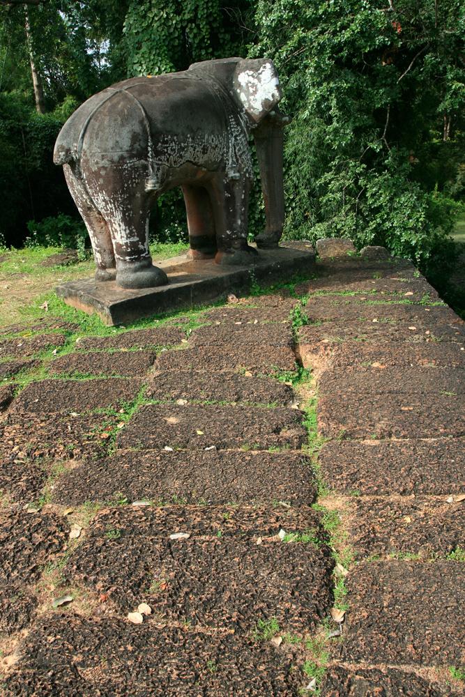 Elefante-en-el-templo-de-Mebon
