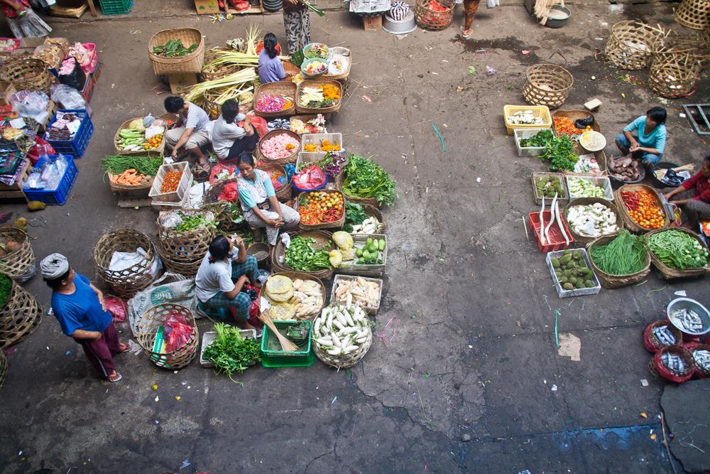Escena-de-mercado