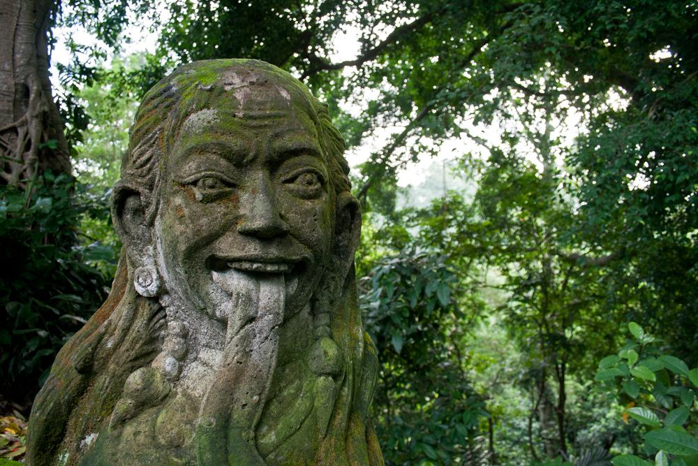 Estatua-balinesa