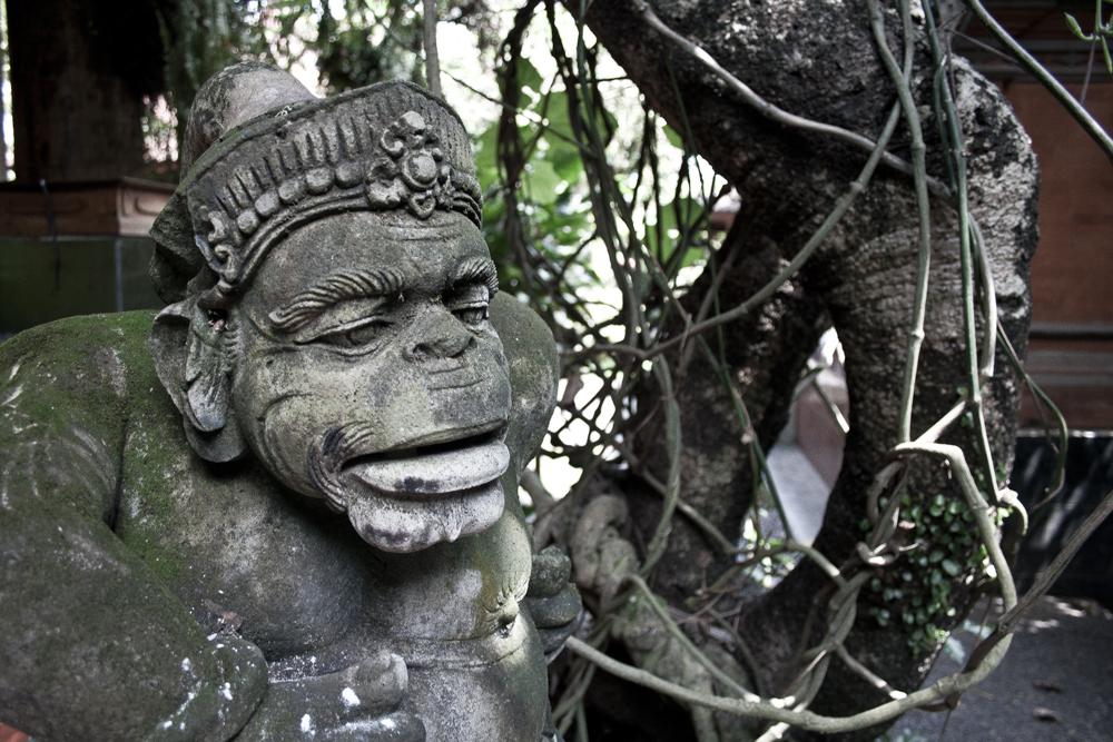 Estatua-del-palacio-Puri-Agung