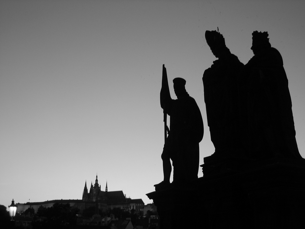 Estatuas-del-puente-de-Carlos-IV