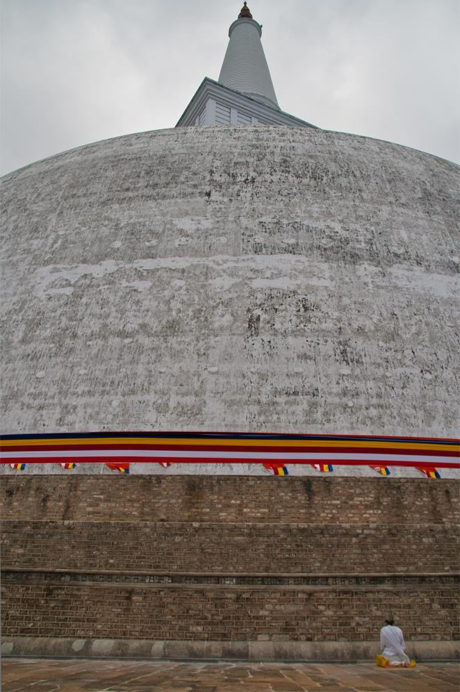 Estupa-de-Ruvanvelisaya-II