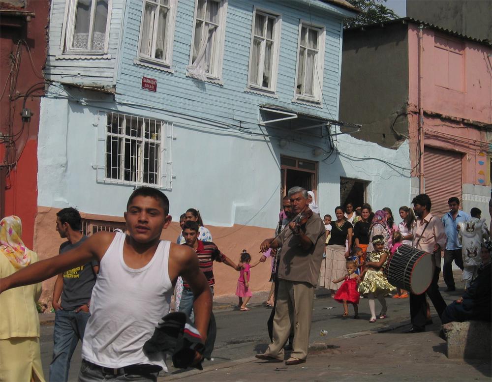 Fiesta-de-circuncisión-en-el-barrio-de-Fatih