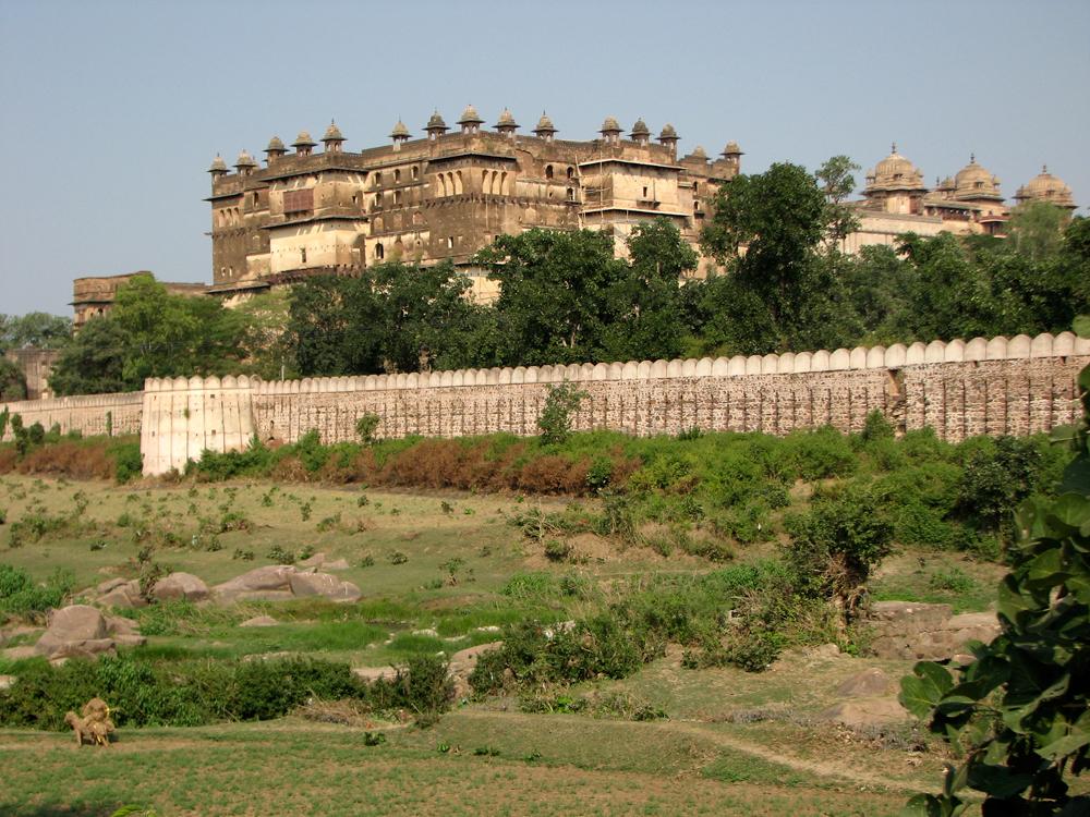 Fortaleza-Mogol-de-Jehangir-Mahal-desde-el-exterior