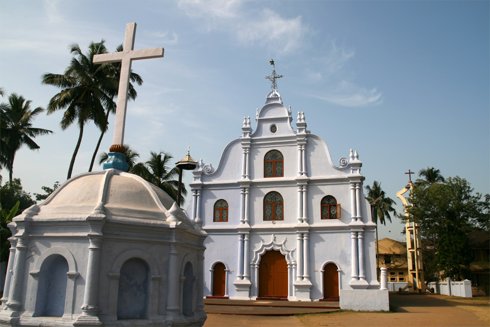 Iglesia-colonial-en-Vipeen-island
