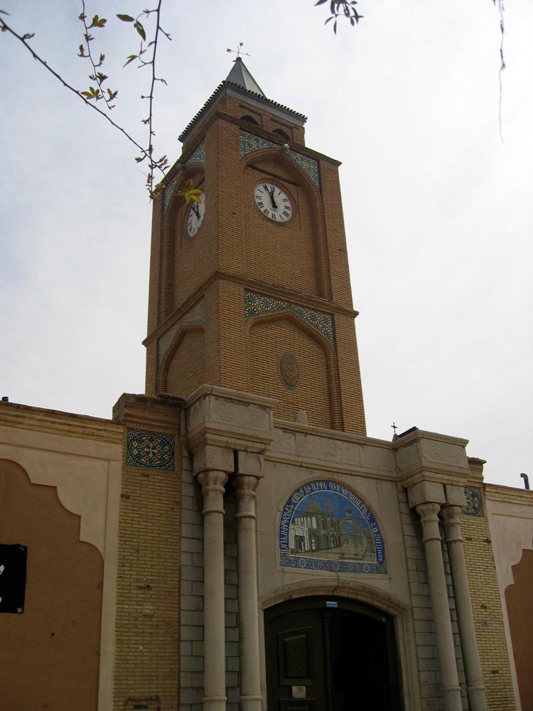 Iglesias-Armenias-en-el-barrio-de-Jolfa