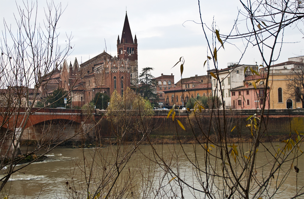 Imagen-de-Verona-junto-al-rio-Adige-II