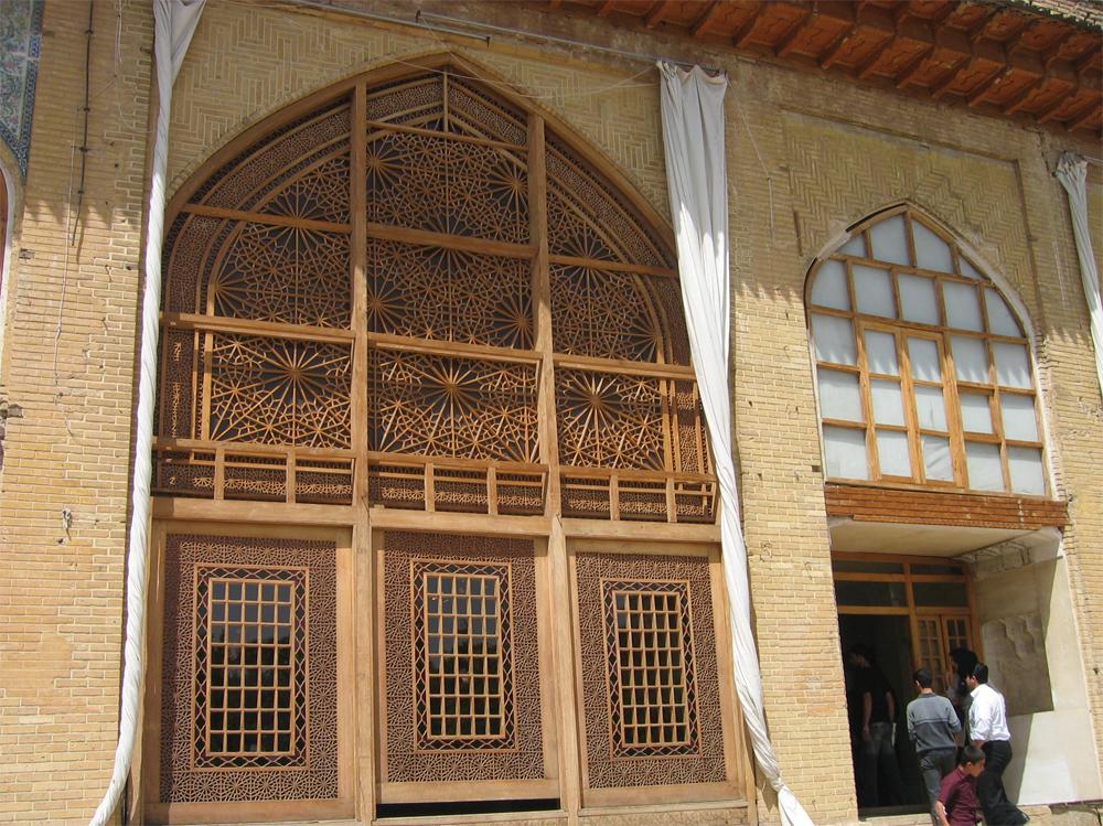 Interior-de-la-Fortaleza-Arg-e-Karim-Khani
