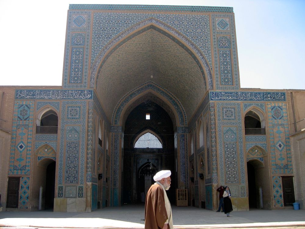 Interior-de-la-Mezquita-del-viernes