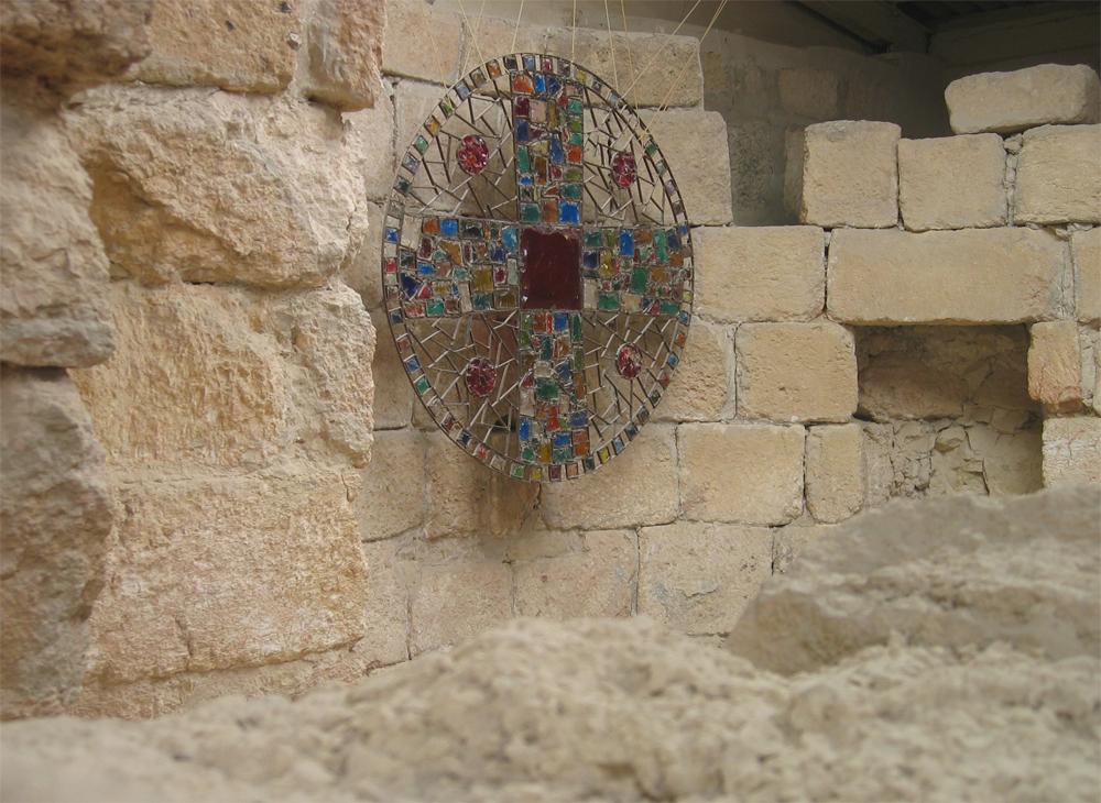 Interior-de-la-iglesia-del-Monte-Nebo