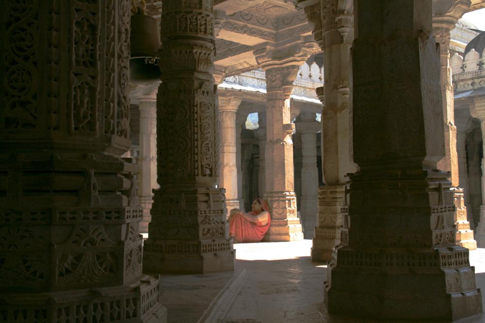 Interior-del-templo-de-Ranakpur