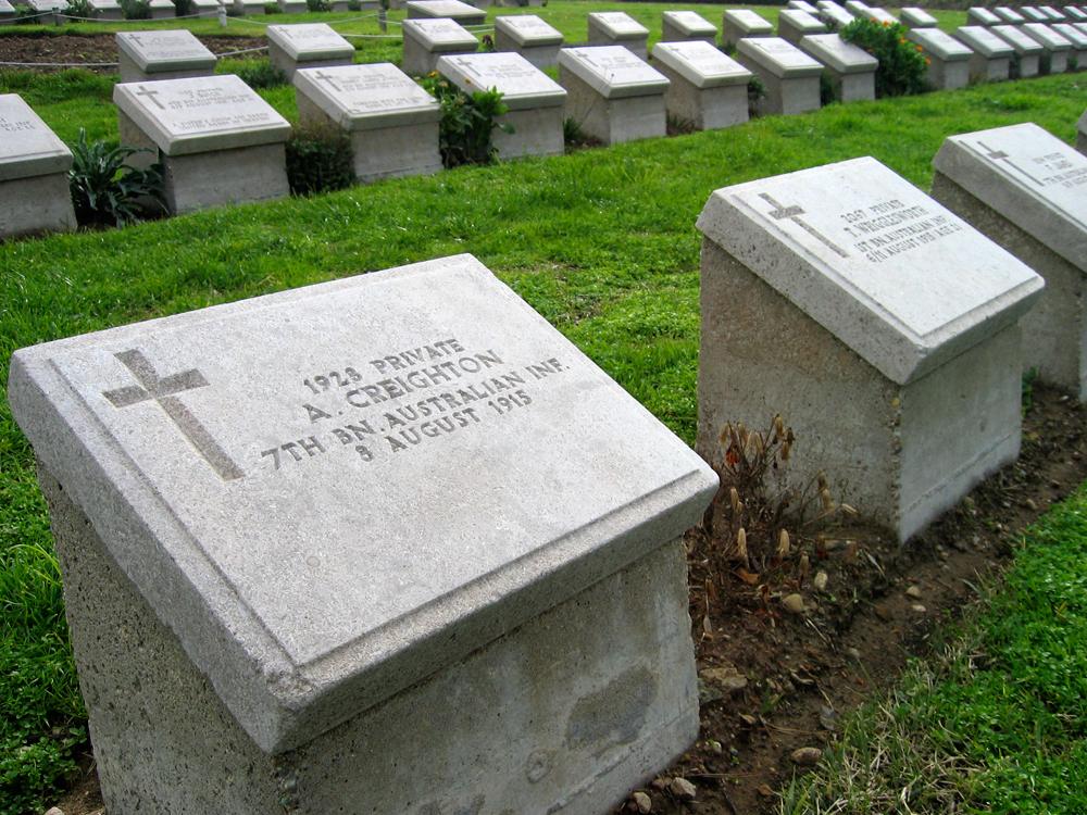 Lápidas-de-soldados-muertos
