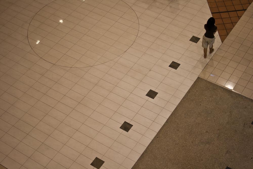 La-soledad-del-centro-comercial