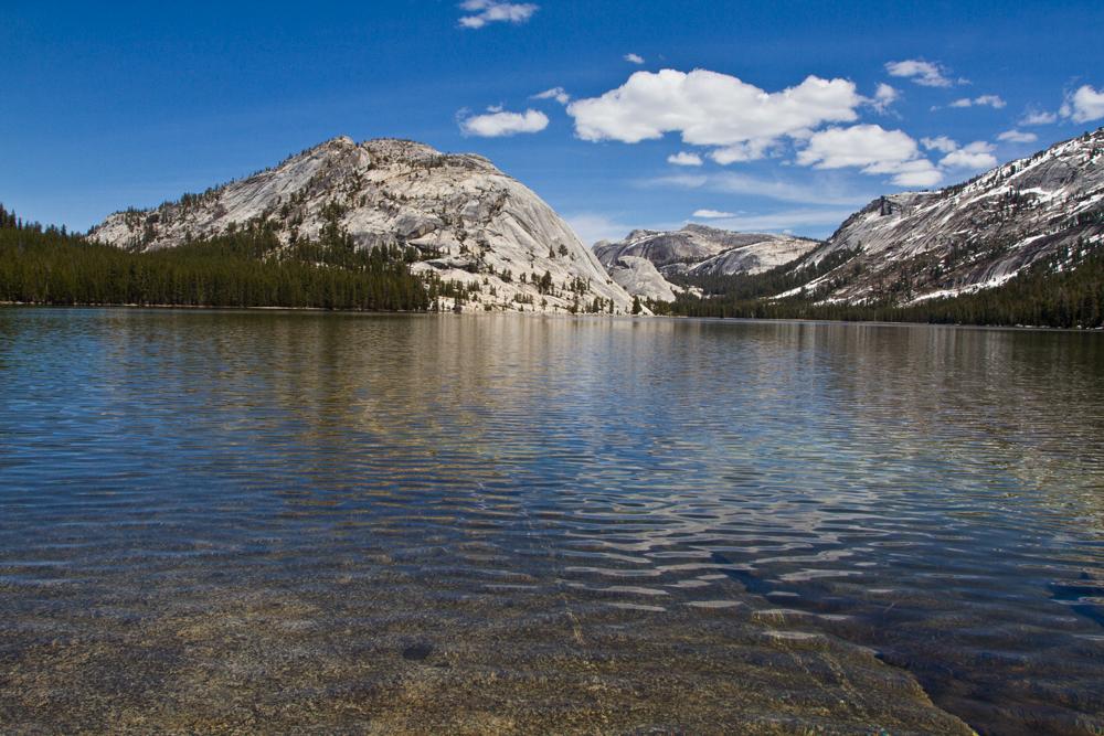 Lago-en-Yosemite-II