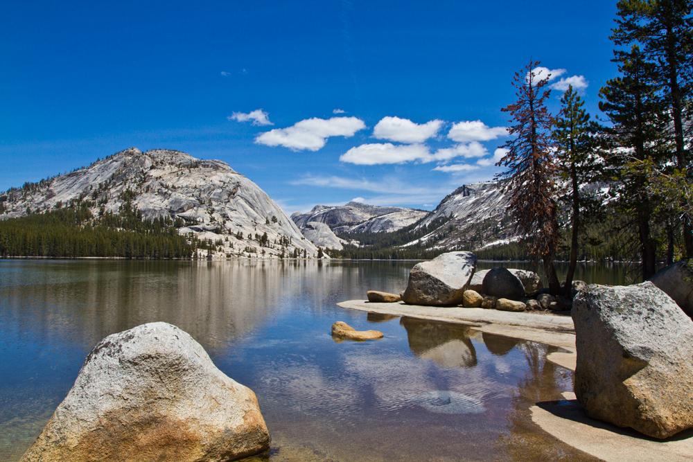 Lago-en-Yosemite