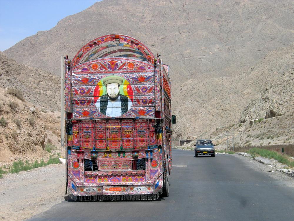 Los-famosos-camiones-pakistanís