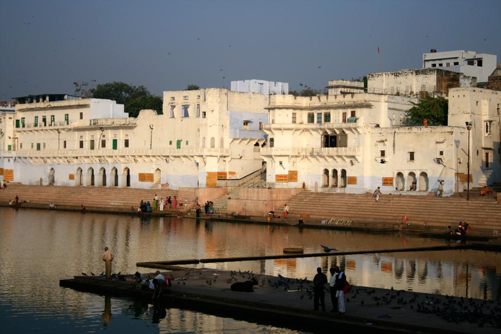 Los-ghats-y-el-lago