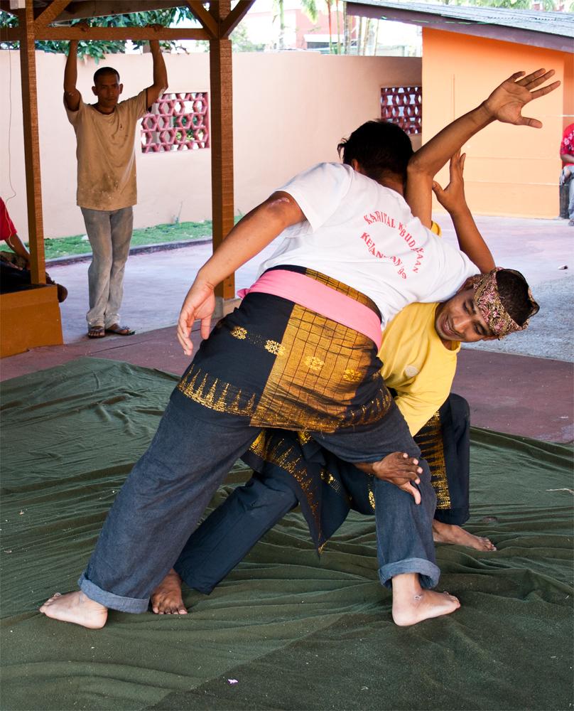 Luchadores-de-Silat