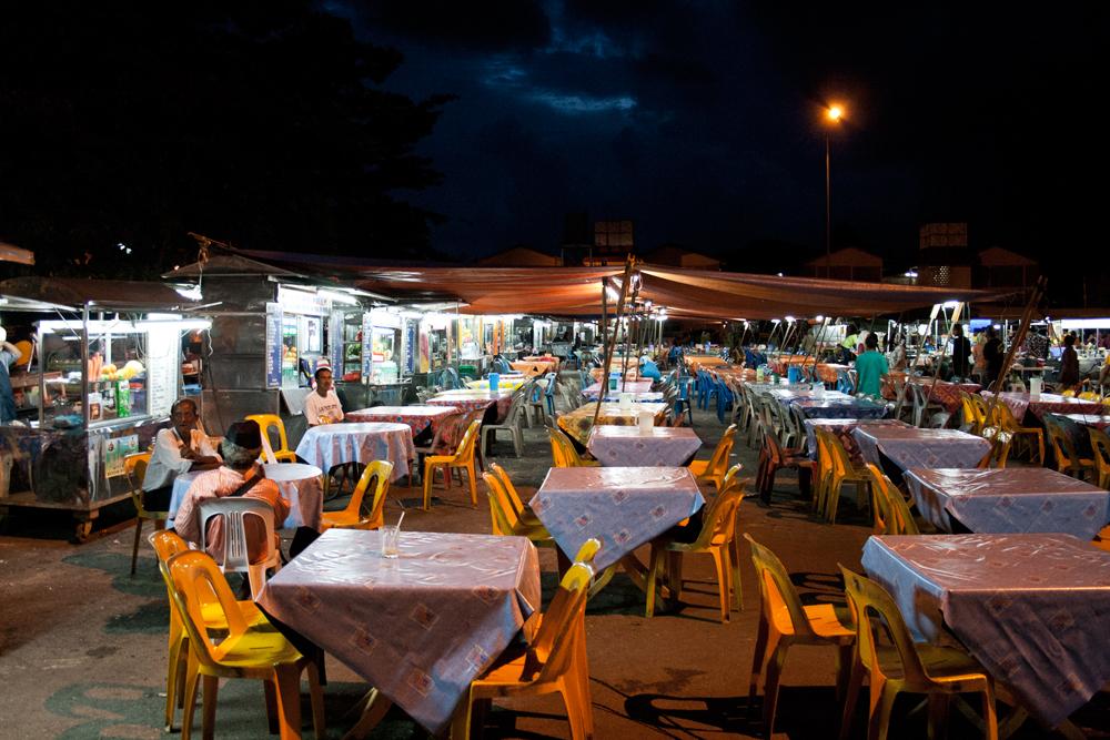 Mercado-nocturno-en-Kota-Bahru