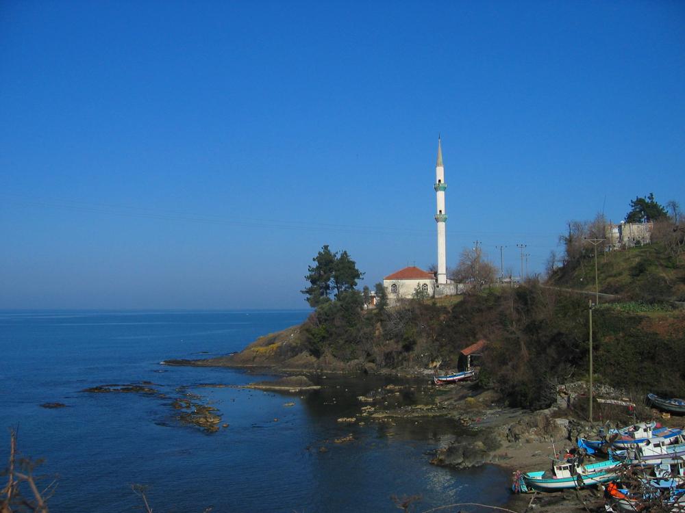 Mezquita-junto-al-mar