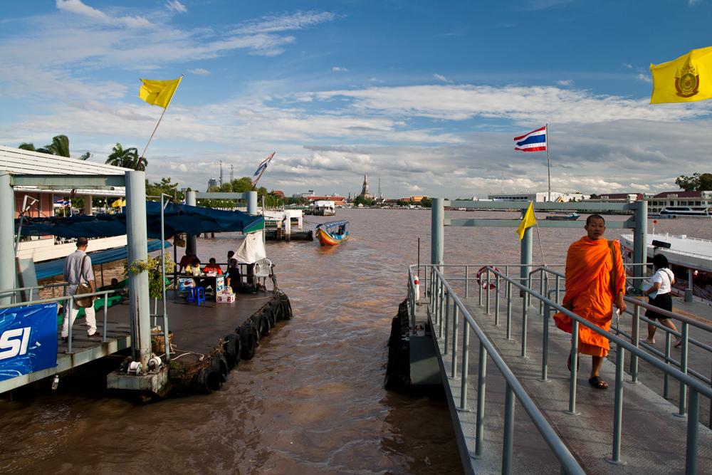 Muelle-del-rio-Chaiya